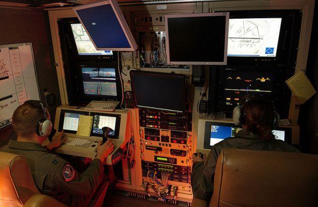 mq-1-predator-drone-pilot-console