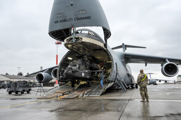 USAF supports Army helicopter delivery to Europe