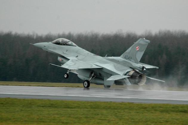AIR_F-16C-52_Polish_Poznan-Krzesiny_AB