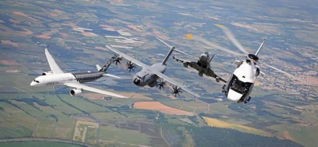 airbus-formation-flight-paris-airshow-family-flight