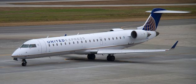 United_Express_Bombardier