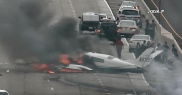 plane-crash-405-freeway-california