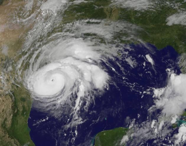 hurricane- harvey-goes-texas