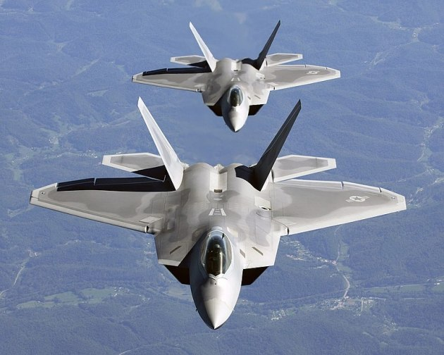 F-22A_Raptor_russian-jets-head-butting-flares-syria