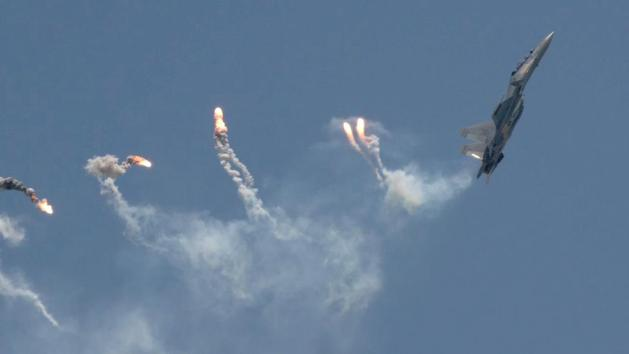 Sukhoi Su-30MKM Sky Dance over Singapore