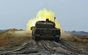 Leopard 2A5DK Live Firing
