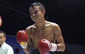 Petchsomjit vs Satanmuanglek - Petchyindee Muay Thai