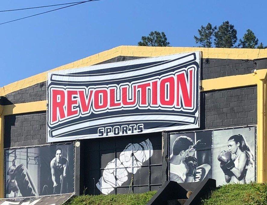 Frente da Academia Revolution Sports - Fight & Smart