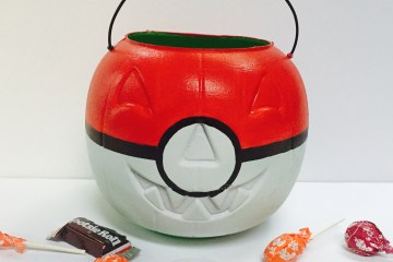 Pokemon crazy, halloween, trick or treat bags, pokemon ball, fishing bobber, Wee Warhols, Austin, DIY, Pokemon craft, jackolantern, pumpkin, candy satchel