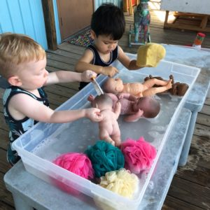 Figment Creative Labs, Austin Texas, baby washing, Toddler Art Group