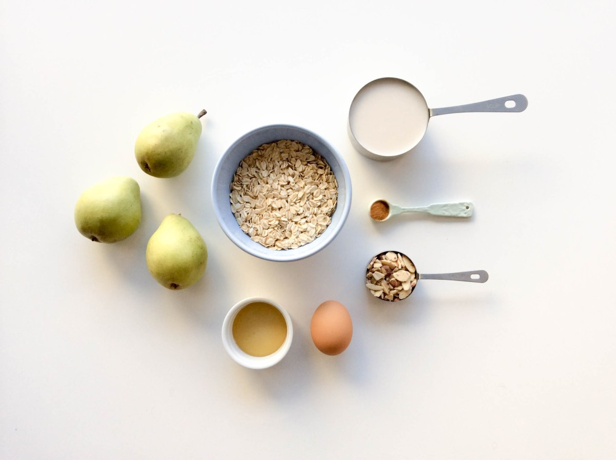 almond pear oatmeal bake (1 of 1)