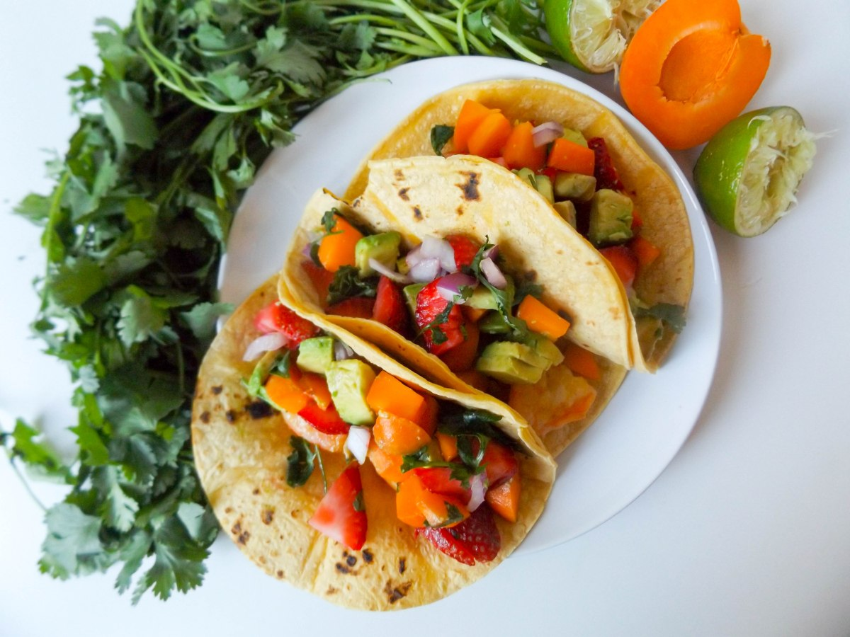 shrimp tacos with apricot strawberry salsa (1 of 1)-5