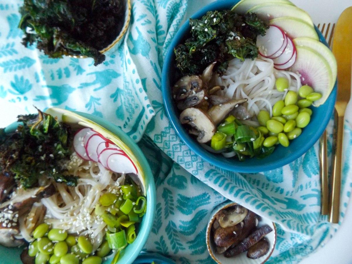 peanut rice noodle veggie bowls-5