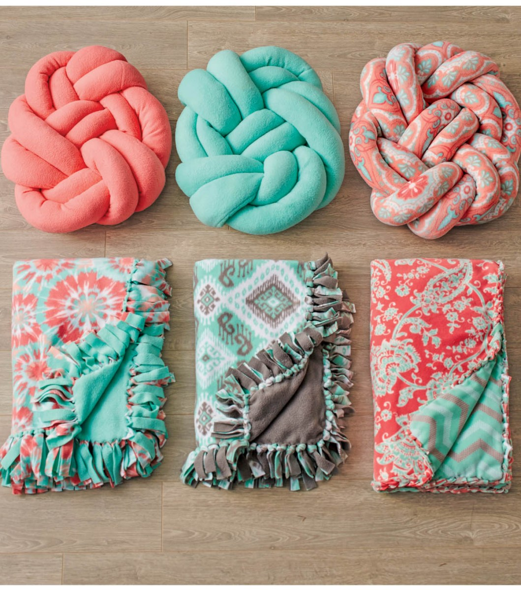 Fleece Sewing Projects 37 Easy Fleece Sewing Projects To Use Up Your Leftover Fleece