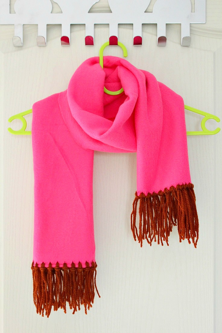 Scarf Sewing Patterns Fleece Scarf Tutorial With Brown Yarn Fringe No Sew