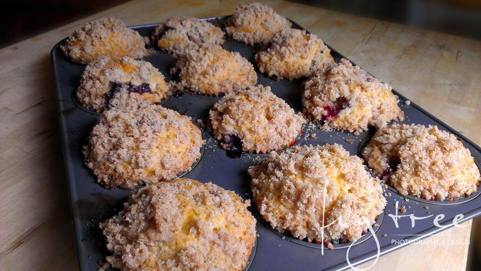 Twelve muffins