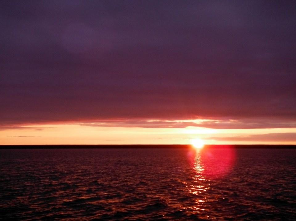 Sunset enroute Gjoa. Or is it sunrise?