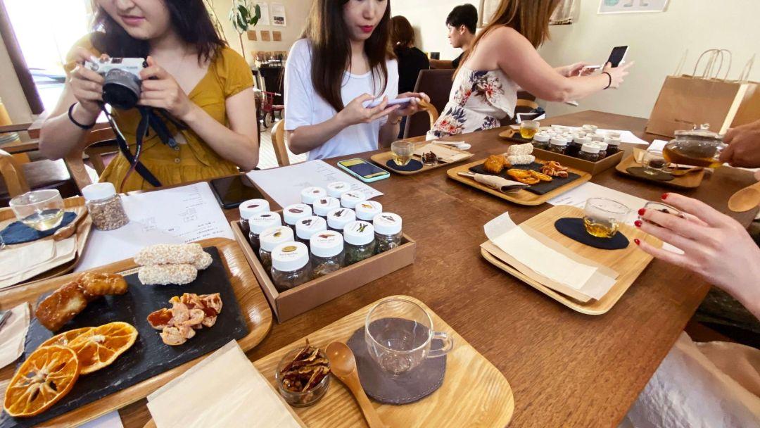 Tea Therapy Haengrang Branch tea class
