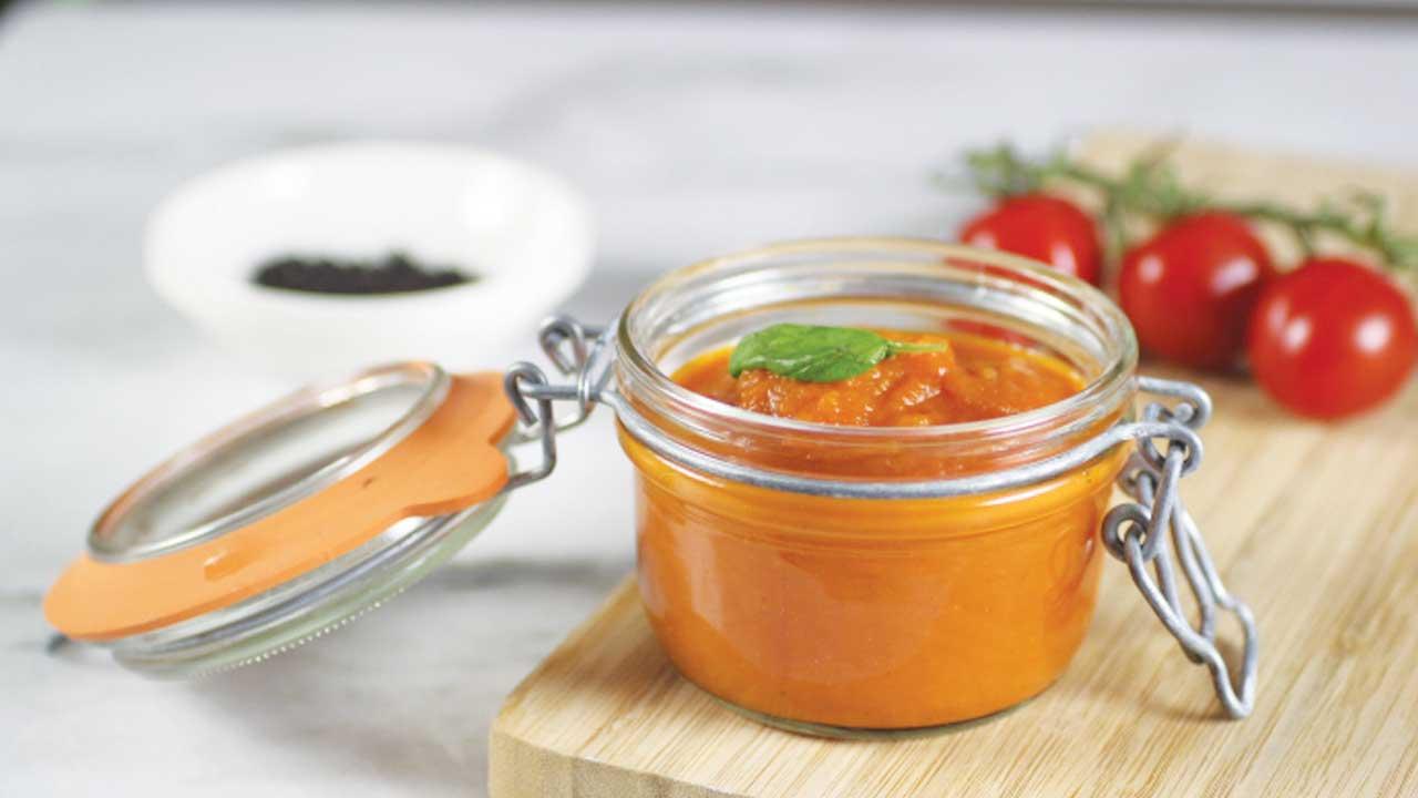 Homemade Verse tomatensaus ook wel passata of pasta saus