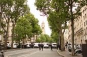 Il suffira cependant de remonter quelques rues pour trouver un passage vers les Champs. J'y vais.