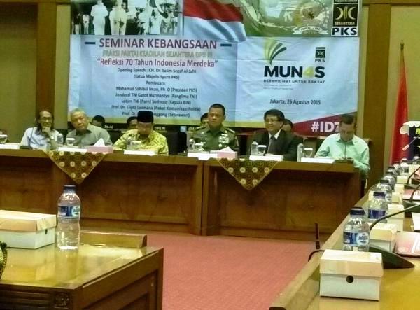 Seminar Kebangsaan oleh Fraksi PKS, hadir Panglima TNI dan wakil kepala BIN.