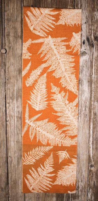 châle pure laine imprimé teinture végétale orange fougère