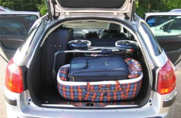 Peugeot 407 cargo space