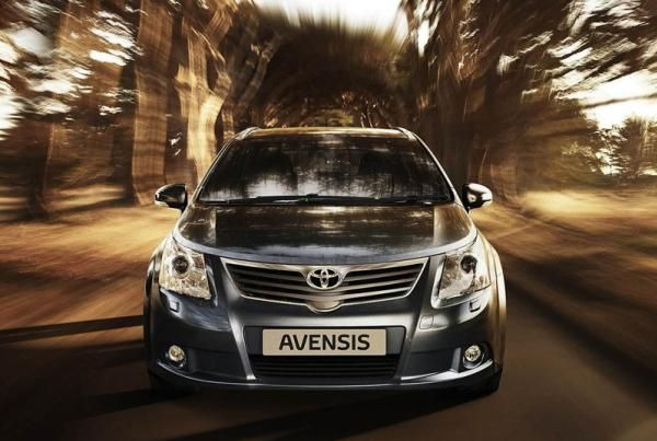 Toyota Avensis 2010 on the road