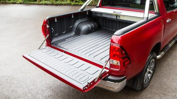 Toyota Hilux 2015 load bed