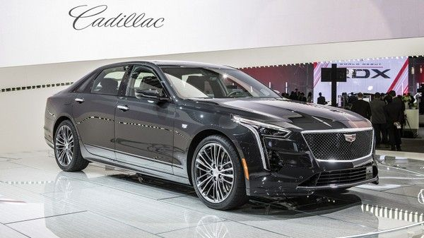 The 2019 Cadillac CT6 V-Sport at the 2018 New York Auto Show