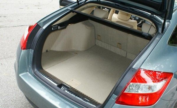 Honda Crosstour 2010 cargo space