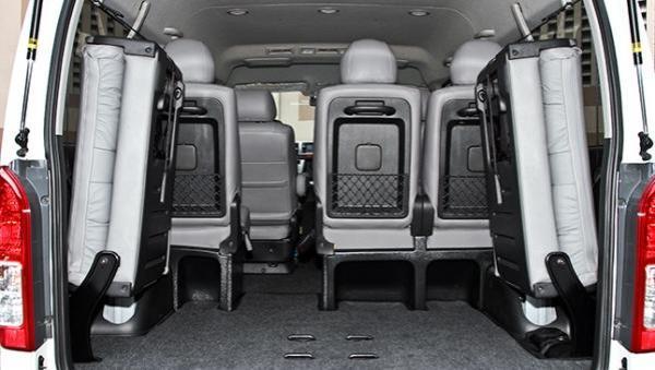 Toyota Hiace 2017 cargo space
