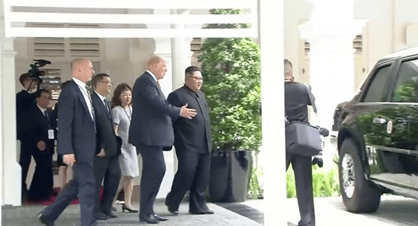 Trump shows Kim Jong Un his Limo