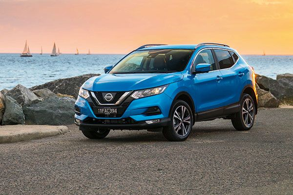 Nissan Qashqai angular front - one of the most fuel-efficient used diesel cars