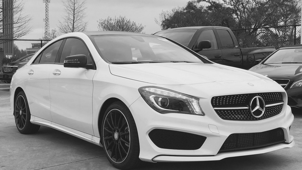 Angular front of the Mercedes-Benz CLA-Class