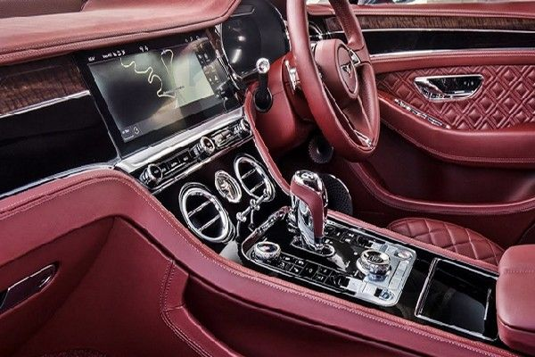interior decoration of the Bentley 2019 GT Continental