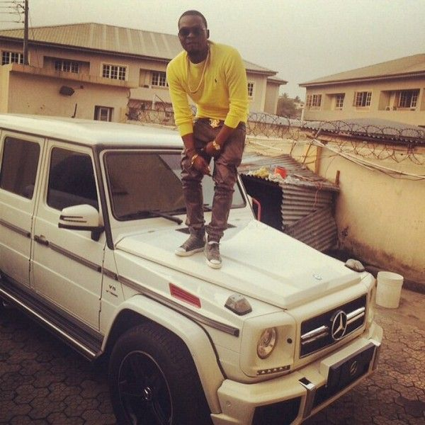 Olamide-on-Mercedes-Benz-G-Wagon