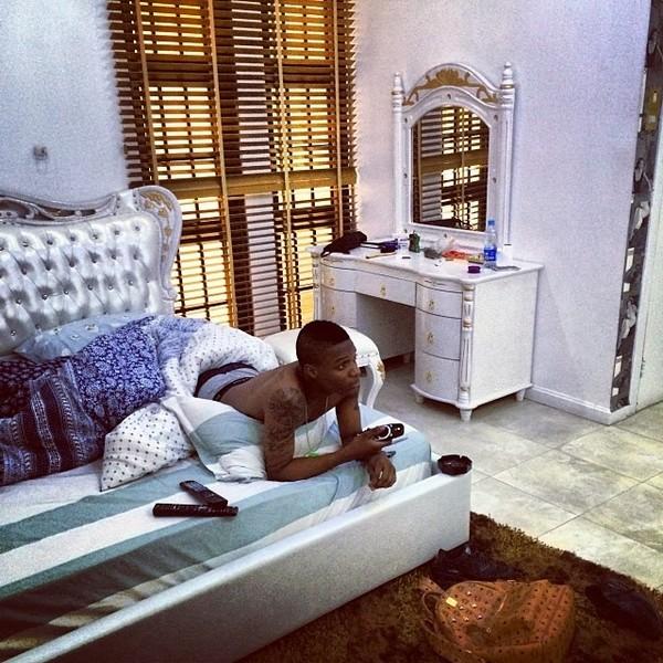 Wizkid-in-house-in-Lagos