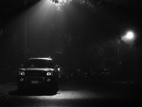 Car-parked-in-the-dark
