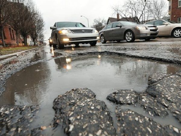 FRSC guide on how to drive through potholes safely | naijauto.com