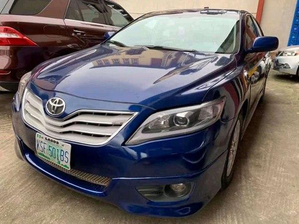 a-blue-Toyota-for-sale-in-Nigeria