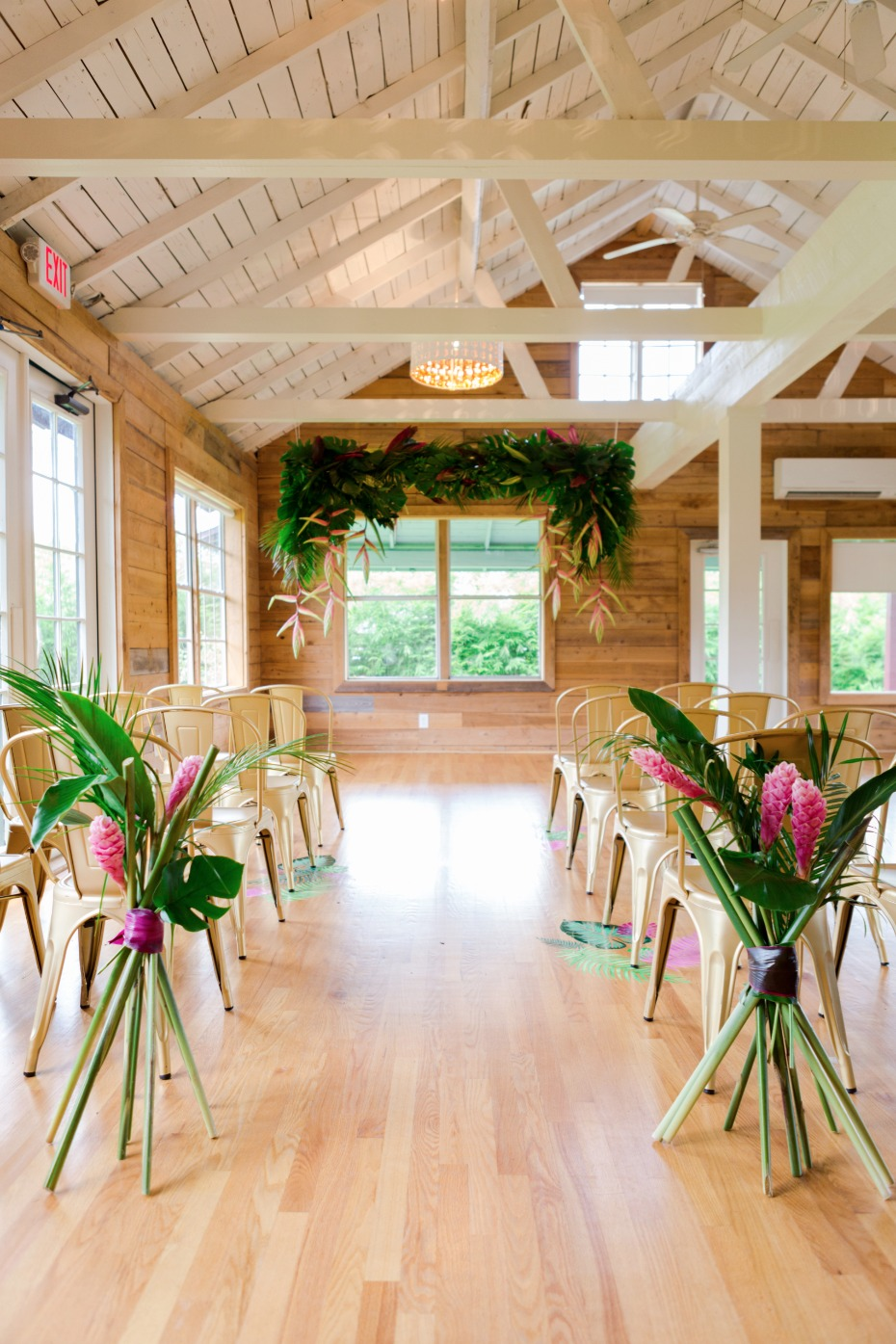 How To Have A Retro Chic + Tropical Wedding Day