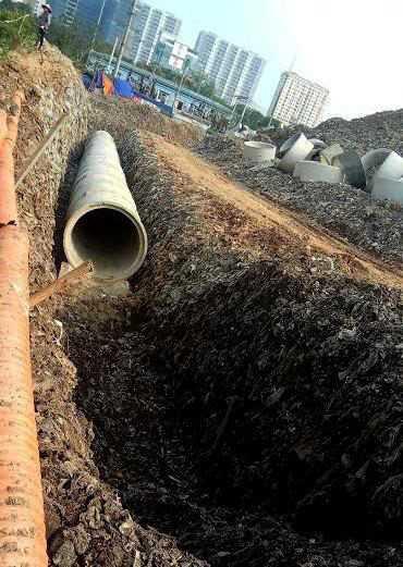 Đào xới bãi rác, dự án gây ô nhiễm môi trường nghiêm trọng tại Mễ Trì 1