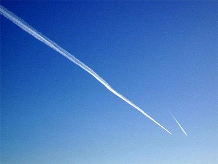 Contrail versus chemtrail.