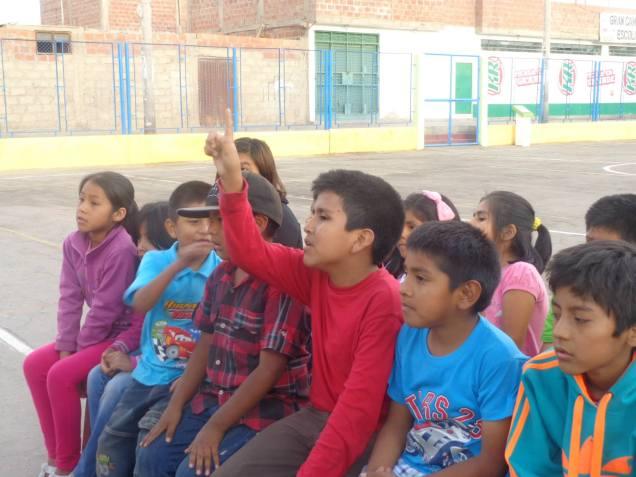 Grupo Renacer evangelizando a los niños.Crédito: Deisy Quenta