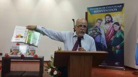 Dr. Jorge Pamplona presneta libro