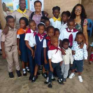Club de Conquistadores y Sociedad de Menores en la iglesia adventista Nigeriana en Togo, África. (Foto: Archivo Aldo Huanca)