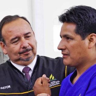 Padre de Ángel en su bautismo. Foto: Gerson Salamanca – Asociación Norte de Chile