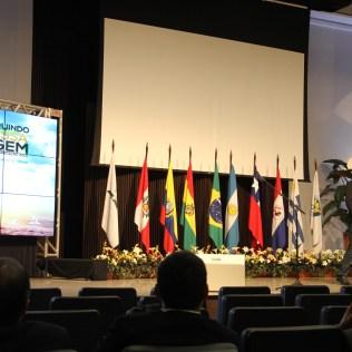 Wagner Dida também cantou no Encontro Sul-Americano de Comunicação na sede da Novo Tempo.