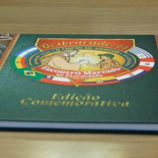 Clubes-recebem-album-comemorativo-do-IV-Campori- Sul-Americano2